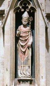 Hl. Nikolaus, um 1340-1350 - Sandsteinplastik an der Südfassade